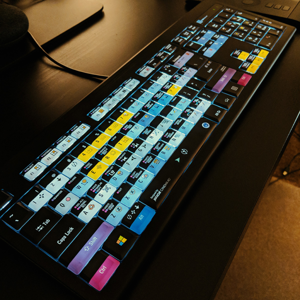 Hands-on Review: Cinema 4D Backlit ASTRA Keyboard - Good